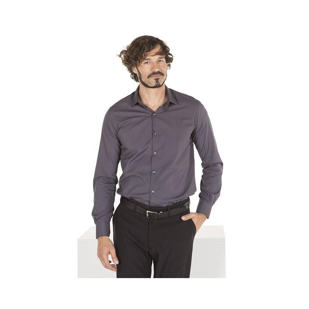 Camisa semientallada con puño abotonado